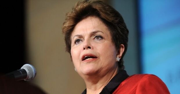 Dilma parabeniza Lula pelos 68 anos