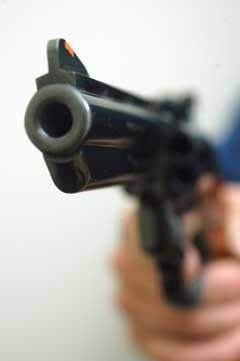 Aluno é flagrado portando calibre 38  em escola