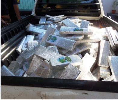 Homem tenta fugir de fiscalização e é preso com 460 Kg de maconha em Nova Andradina