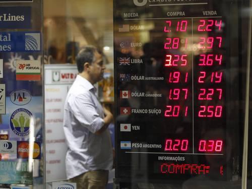 Taxa de IOF para pagamentos em moeda estrangeira será reajustada em 6%
