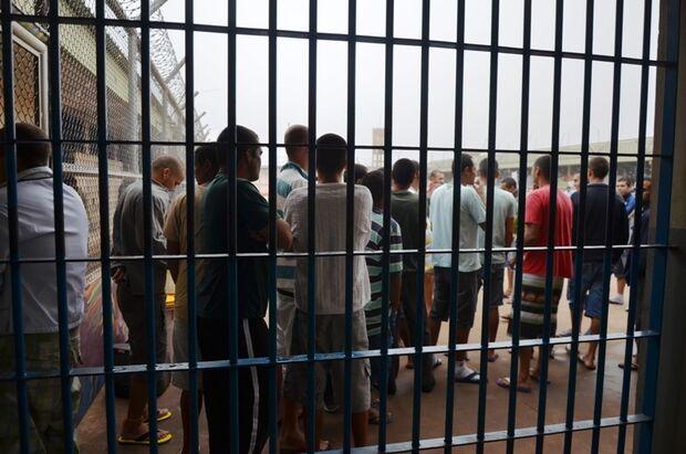 Justiça obriga governo de MS a fazer reforma de presídios