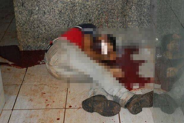 Homem é encontrado morto em banheiro público