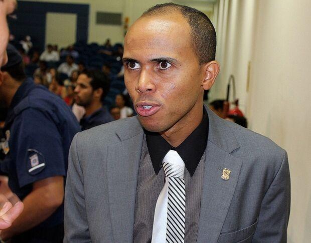 Judiciário anula expulsão do vereador Chocolate pelo Partido Progressista