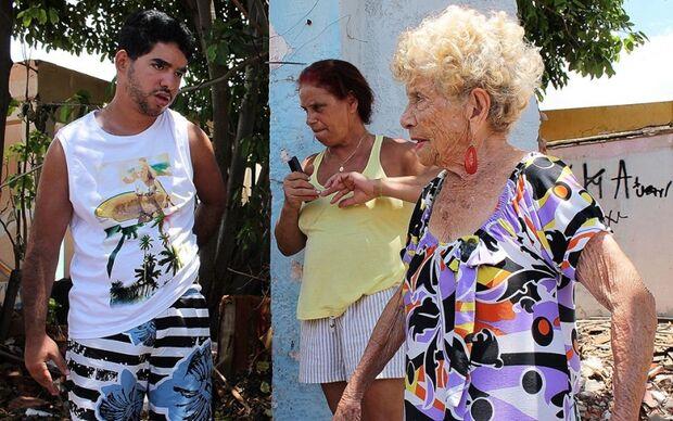 Locais abandonados causam transtornos a  moradores da Vila Gloria