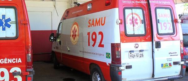 Motociclista colide em poste na Av. Redentor, não resiste e morre