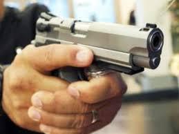 Falso policial assalta dois em Dourados