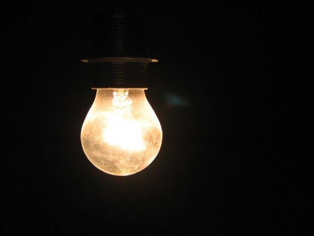Consumo de energia nas residências do país sobe quase 8% em janeiro