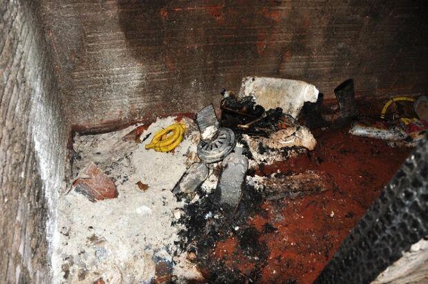 Viatura dos bombeiros falha e incêndio é combatido com baldes