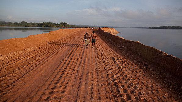 TRF manda parar obras em Belo Monte