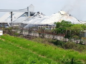 Incêndio em usina de açúcar no interior de São Paulo provoca desastre ambiental