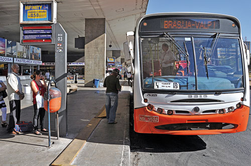 Usuários de transporte coletivo que comprarem passagens com cartão podem ter descontos