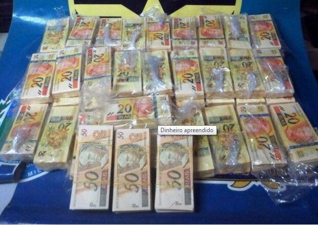 Polícia Militar apreende mais de  R$ 200 mil em notas falsas em Amambaí