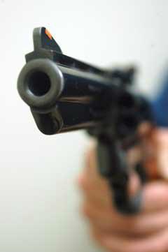 Assaltantes levam R$ 20 mil de caminhoneiros no MS