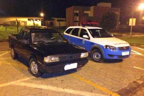 Polícia recupera carro roubado antes de dono perceber furto