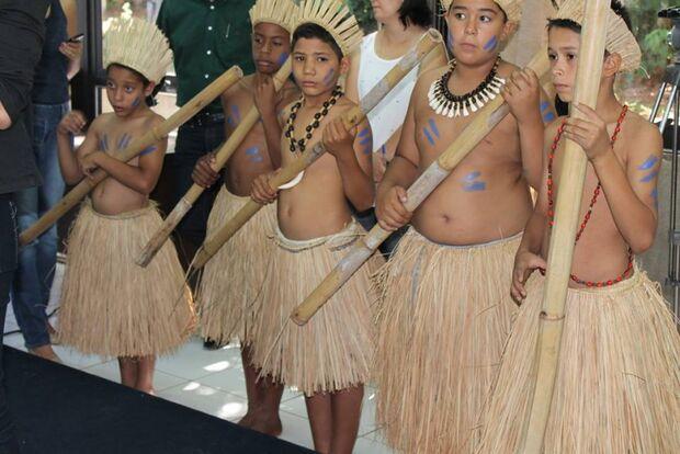 Povos Indígenas ilustram capa da revista Cultura em MS