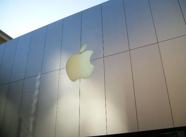 Apple recebe notificação por realizar cobranças em dólar no iTunes brasileiro