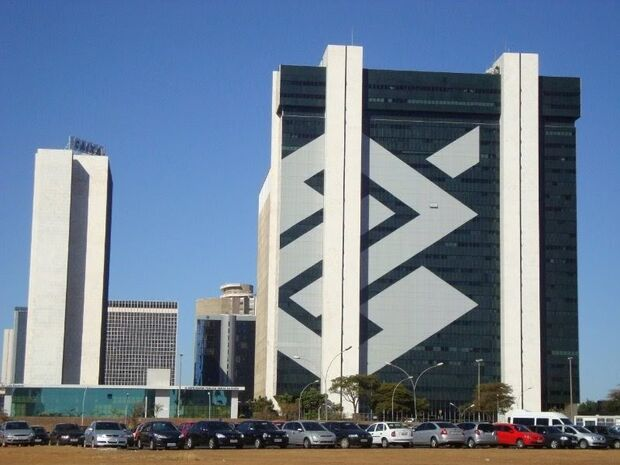 Banco do Brasil anuncia novo concurso com salário de R$ 2,7 mil