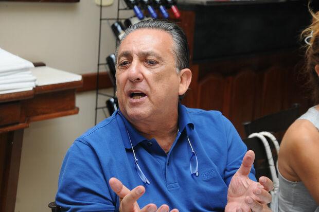 Em  Dourados,  Galvão Bueno critica Federação de Futebol de MS