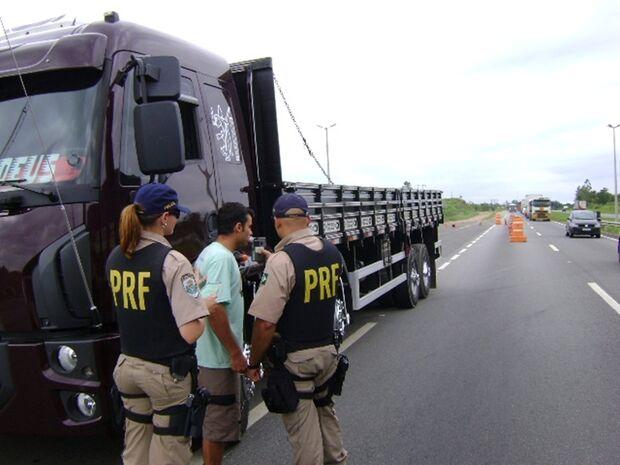 Operação Final de Ano da PRF registra 15 acidentes em uma semana de fiscalização