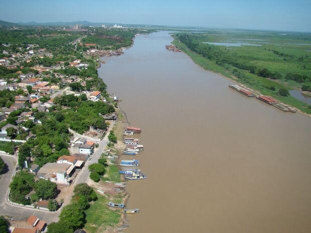 Rio Paraguai é ameaçado por milhões de litros de esgoto a cada hora