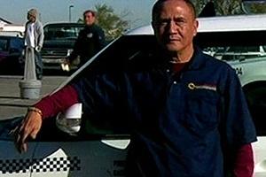 Taxista acha US$ 300 mil e devolve dinheiro ao dono nos EUA