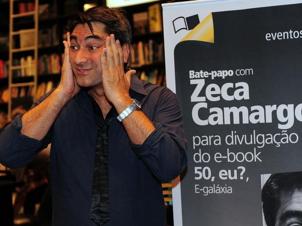 Zeca Camargo lança livro sobre como chegar aos 50 anos
