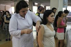 Meninas de 11 a 13 anos serão alvos de vacinação contra HPV em março