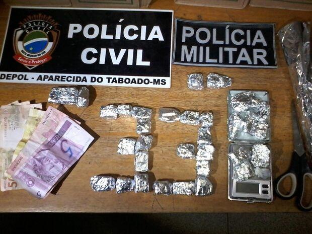 Polícia Militar de Aparecida do Taboado prende traficante de drogas de 18 anos