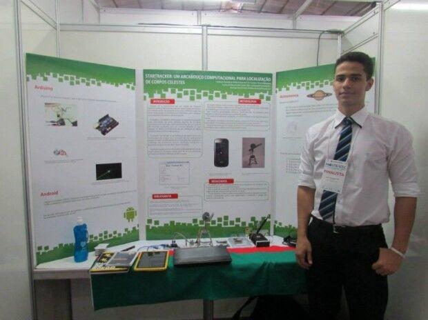 Jovem de Nova Andradina apresenta projeto de pesquisa em Los Angeles (EUA)