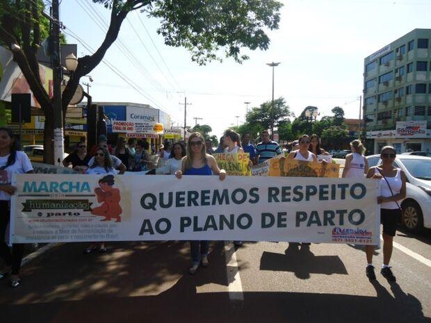 Manifestação em Dourados pede mais humanização no parto