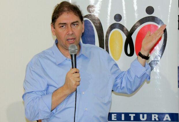 Bernal convida PMDB para participar de sua base na Câmara
