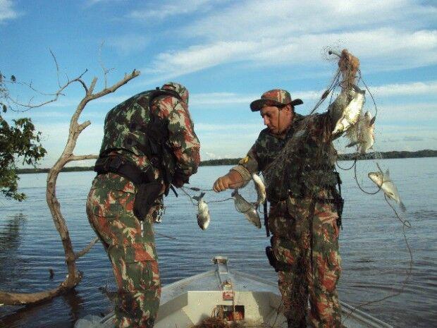 PMA-MS prende dois paraguaios por pesca predatória