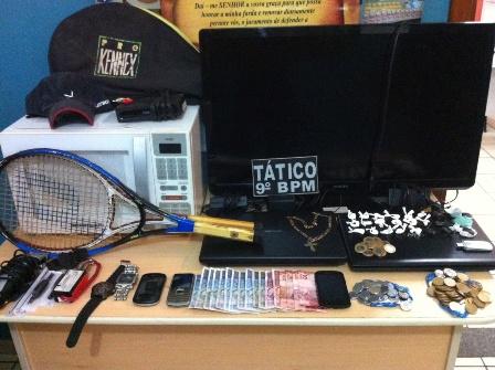 Dupla que comercializava drogas no Nova Lima é presa na Capital