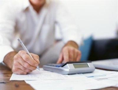 Pesquisa revela que no mês de outubro aumentou o número de famílias endividadas no país