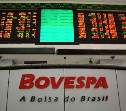 Bovespa recua 15,5% em 2013, pior desempenho entre principais bolsas