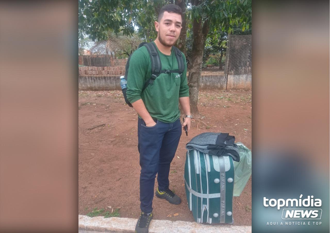 Rapaz dorme ao volante, bate carro em árvore e morre; amigos lamentam perda  - Portal TOP Mídia News