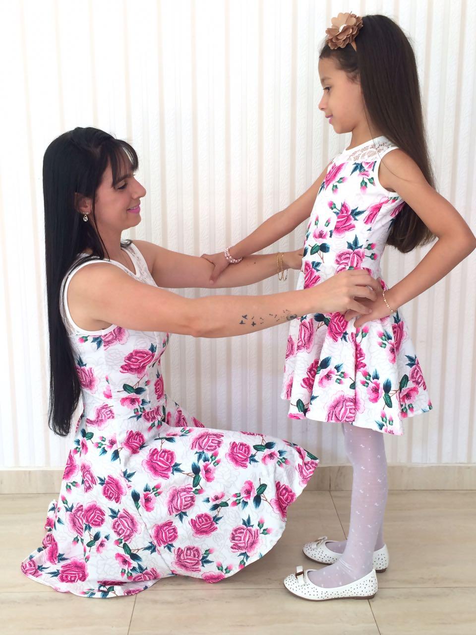 61f22b56df7aee Moda 'tal mãe, tal filha' é opção fashion para presente no dia das ...
